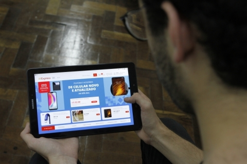 Dia do Solteiro: Dia do Solteiro chinês lidera vendas on-line no mundo