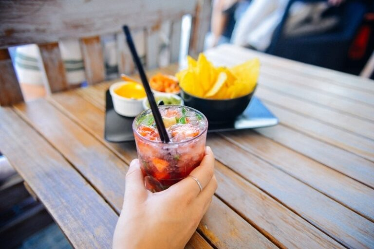 Dia do Solteiro: Namorar pra quê? 3 drinks deliciosos para curtir o Dia dos Namorados solteiro