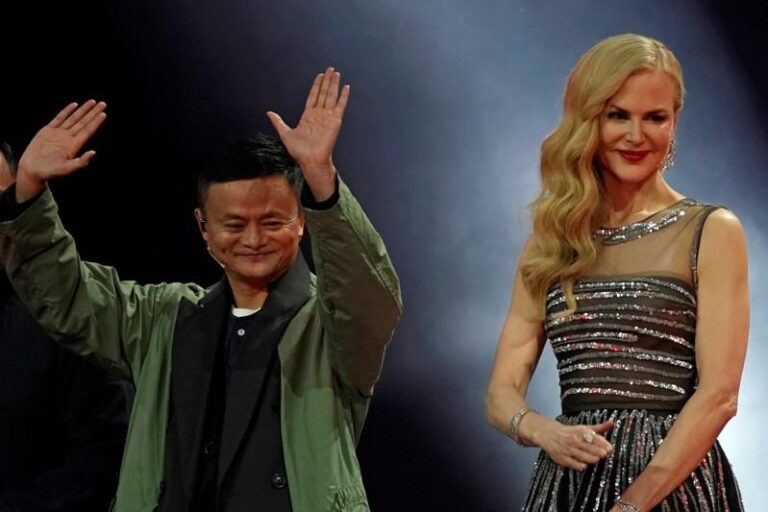 Singles Day: China shopping festival smashes record with $25 billion haul